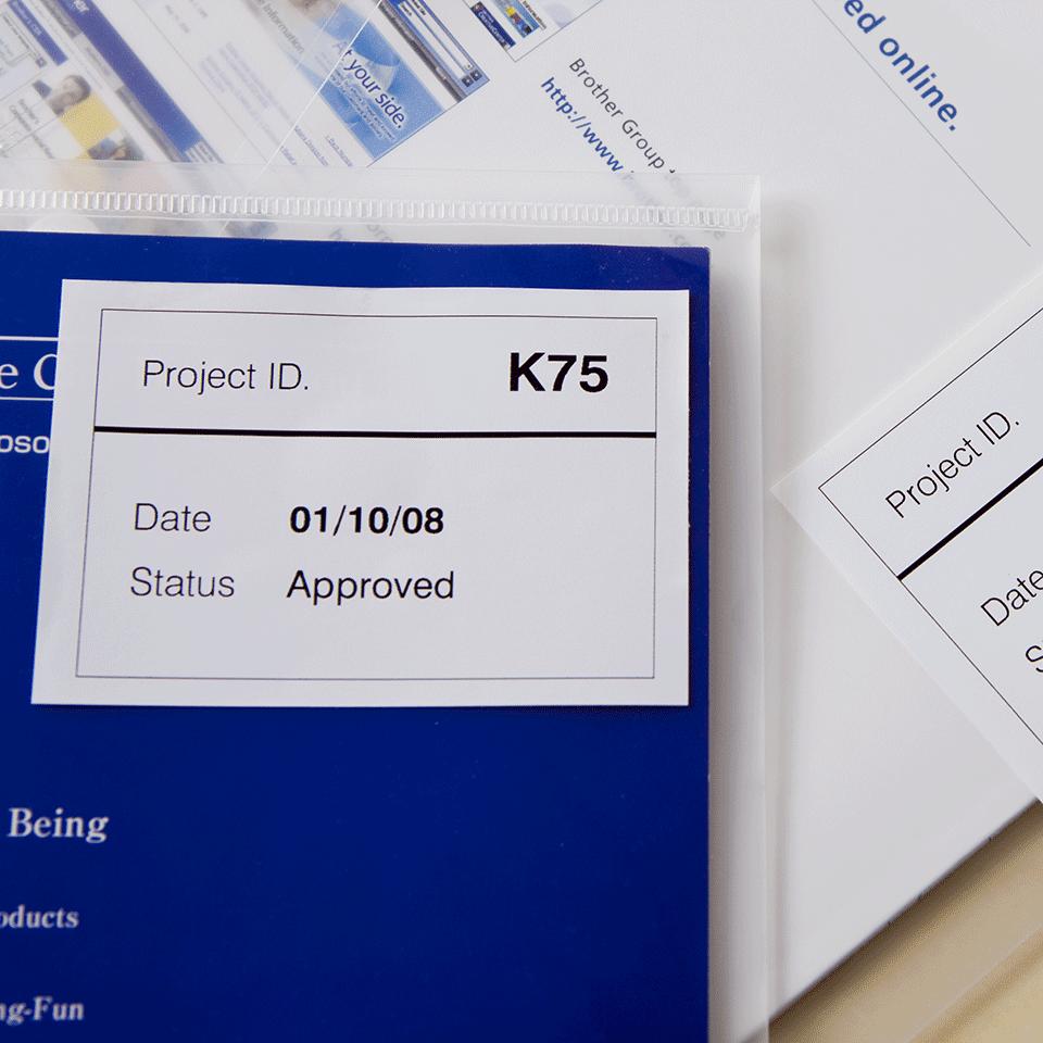 Brother DK-44205 Endlosetiketten – schwarz auf weiß 1