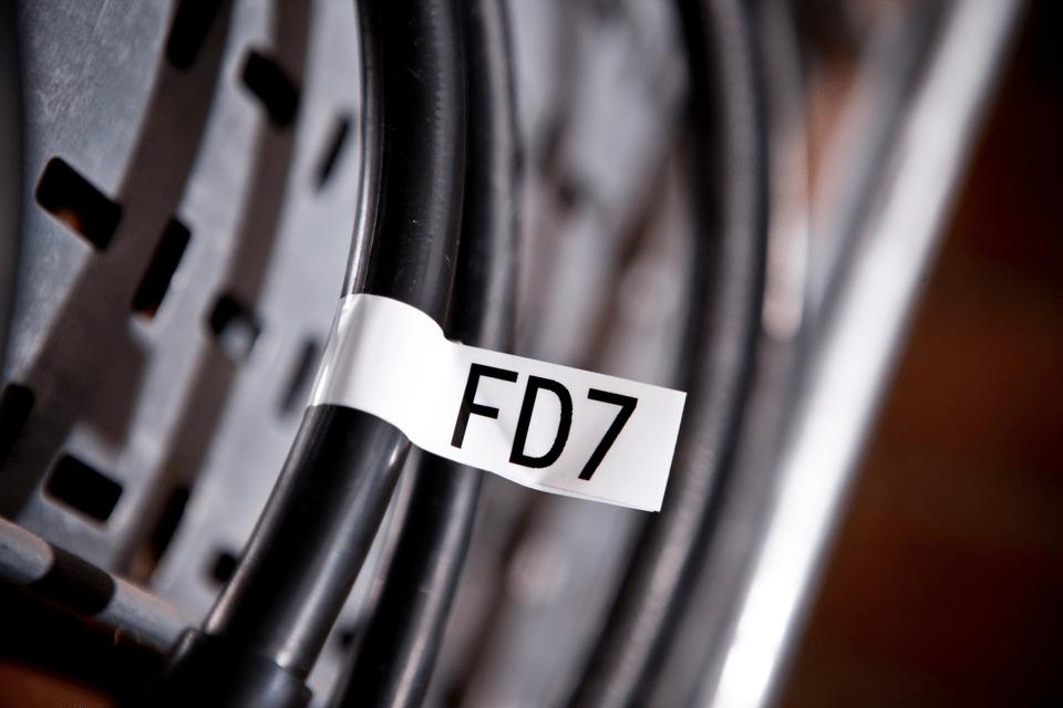 Brother TZe-FX251 Flexi-Tape – schwarz auf weiß 3