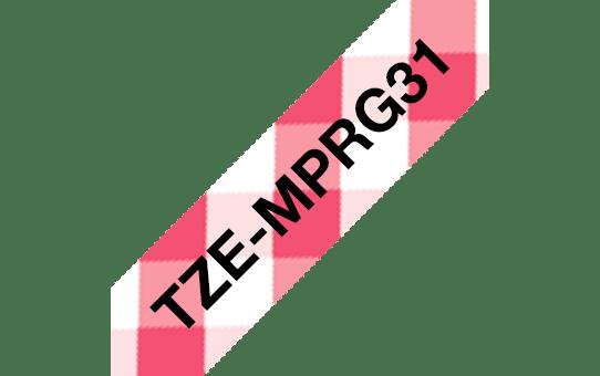 Brother TZe-MPRG31 Schriftband – schwarz auf rot kariert 3