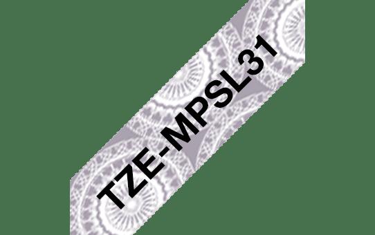 Brother TZe-MPSL31 Schriftband – schwarz auf silbernen Spitzen 2