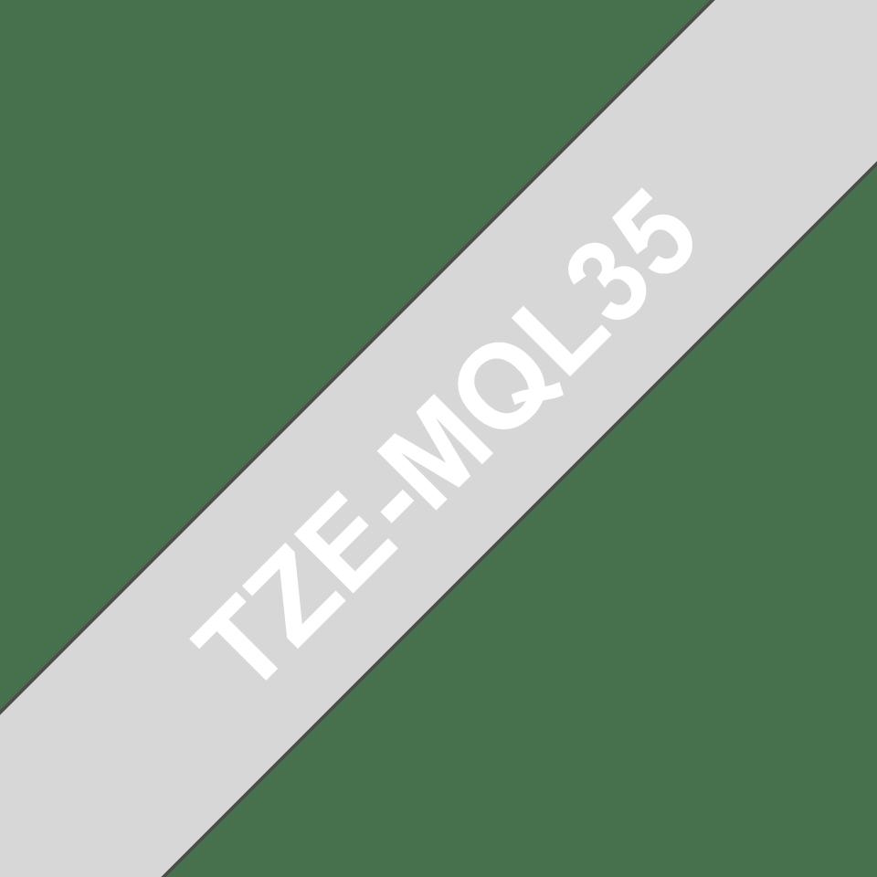 Brother TZe-MQL35 Schriftband – weiß auf hellgrau (matt) 3
