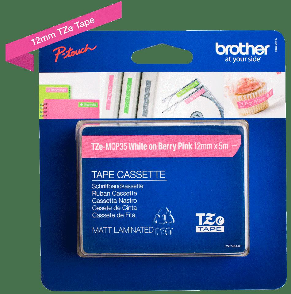 Brother TZe-MQP35 Schriftband – weiß auf pink (matt) 2